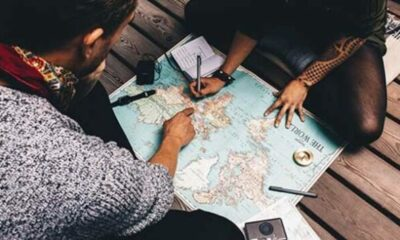 2 friends looking at a map