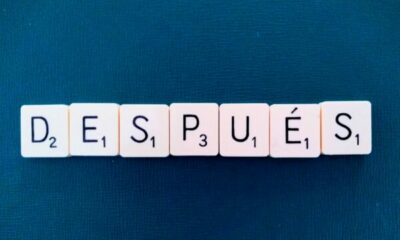 Word 'después' with Scrabble letters